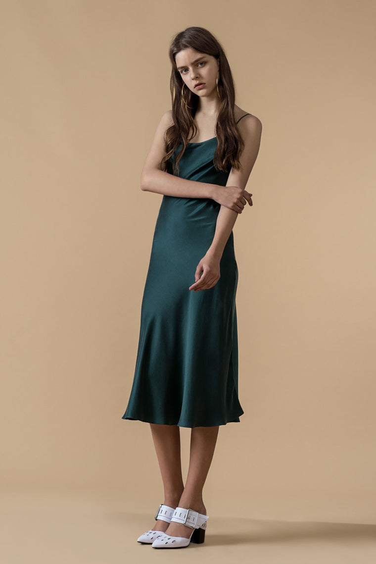 Slip on Sleeveless Silk Dress