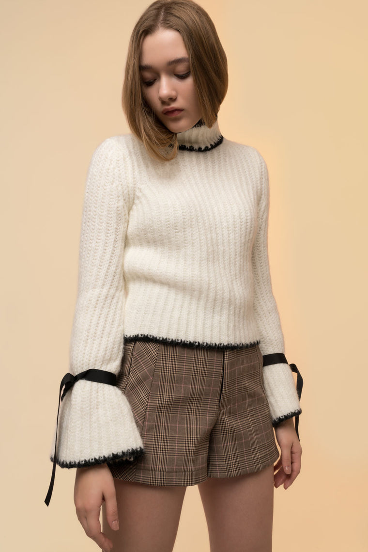 Tie Bell Sleeved Mockneck Sweater