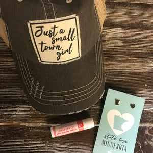 Small Town Girl #ViralKindsness Gift Package