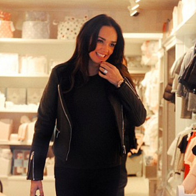 Mail Online: Pregnant Tamara Ecclestone shops at Blue Almonds