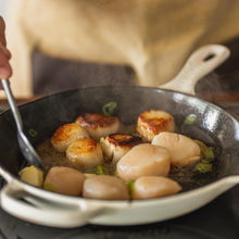 Load image into Gallery viewer, Large Wild Maine Scallops, Dry Packed