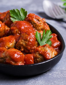 40 Hand Rolled Meatballs in our Zesty Marinara Sauce
