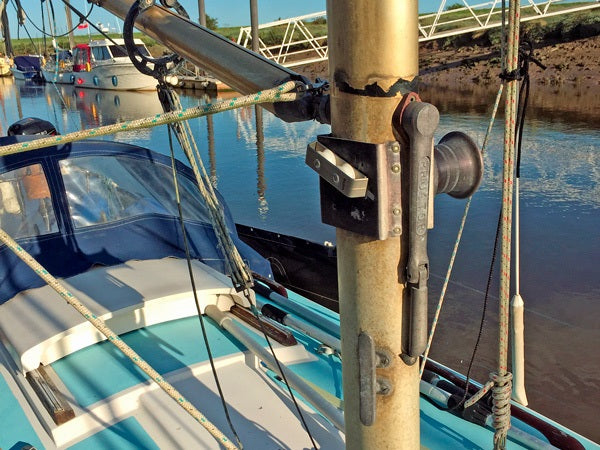Large Yacht Mast Cleaning