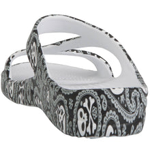 Load image into Gallery viewer, Women's Loudmouth Z Sandals - Shiver Me Timbers