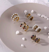 Load image into Gallery viewer, Zara Hoop (mini pearls)
