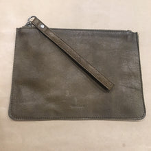 Load image into Gallery viewer, Mossman Leather Large Pouch
