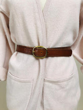 "Load image into Gallery viewer, Tan tooled ""vermont"" leather belt"