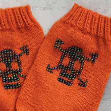 Load image into Gallery viewer, Not just for Halloween Skully Socks