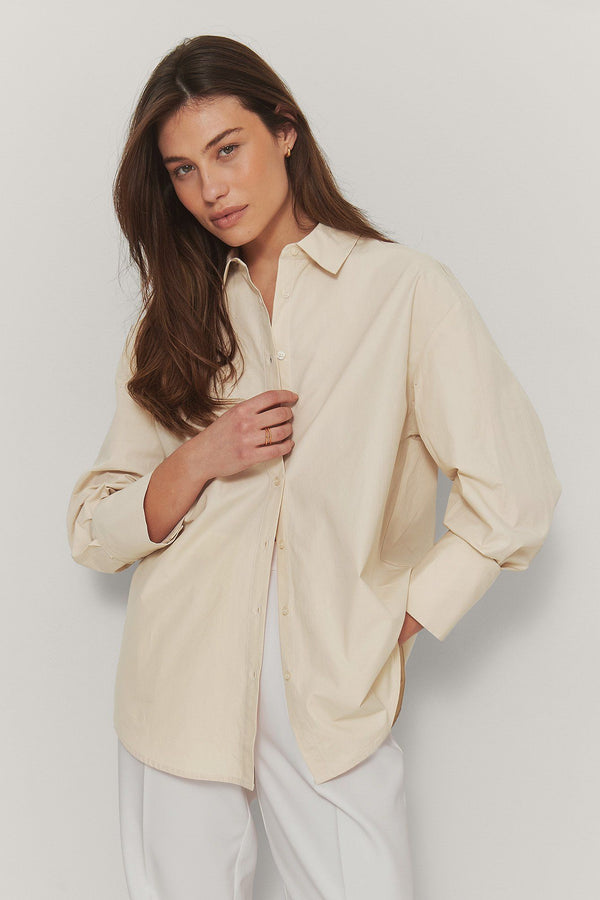 Oversized boxy shirt                Sand