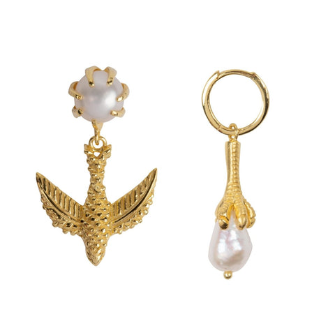 Trendjuwelier Bemelmans - Betty Bogaers Bird And Claw Pearl Earring Gold Plated 2