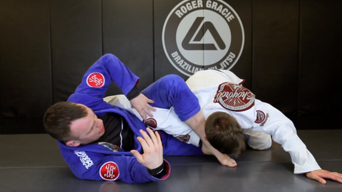 Omoplata from Overhook Half Guard