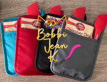 Load image into Gallery viewer, School Admin Bake the World a Better Place Pot Holder Gift Set