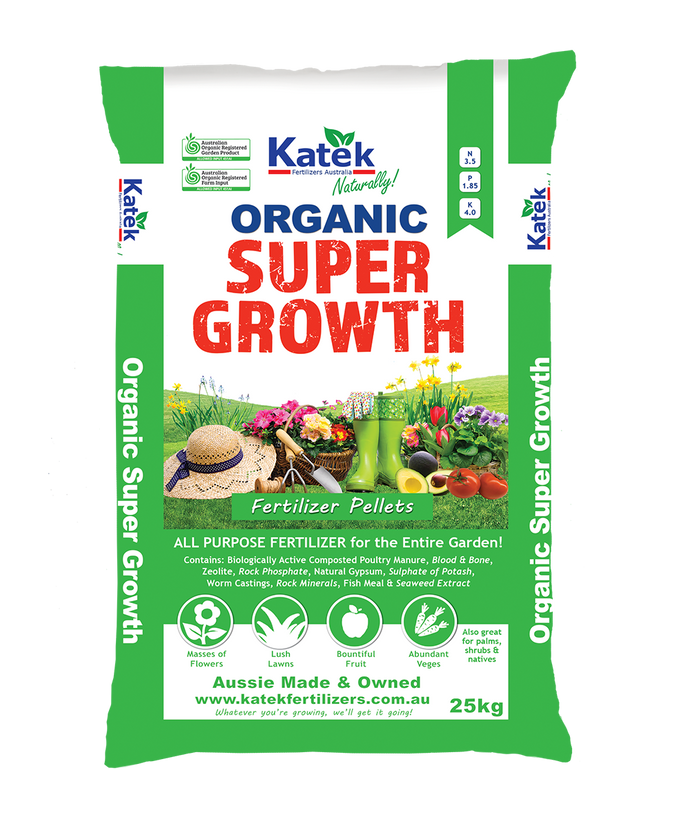 Katek Organic Super Growth contains: Biologically Active Composted Poultry Manure, Blood & Bone, Zeolite, Rock Phosphate, Natural Gypsum, Sulphate of Potash, Worm Castings, Rock Minerals, Fish Meal and Seaweed Extract.