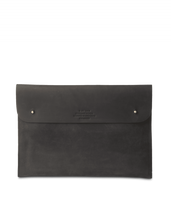"Laden Sie das Bild in den Galerie-Viewer, Laptop Sleeve 11"" Black Hunter Leather"