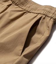 Laden Sie das Bild in den Galerie-Viewer, Luther Packable Short utility khaki
