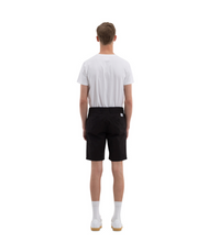 Laden Sie das Bild in den Galerie-Viewer, Aros Light Twill Shorts black