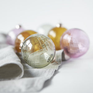 Crispy Glass Ball Emerald // Grøn - 1 stk.