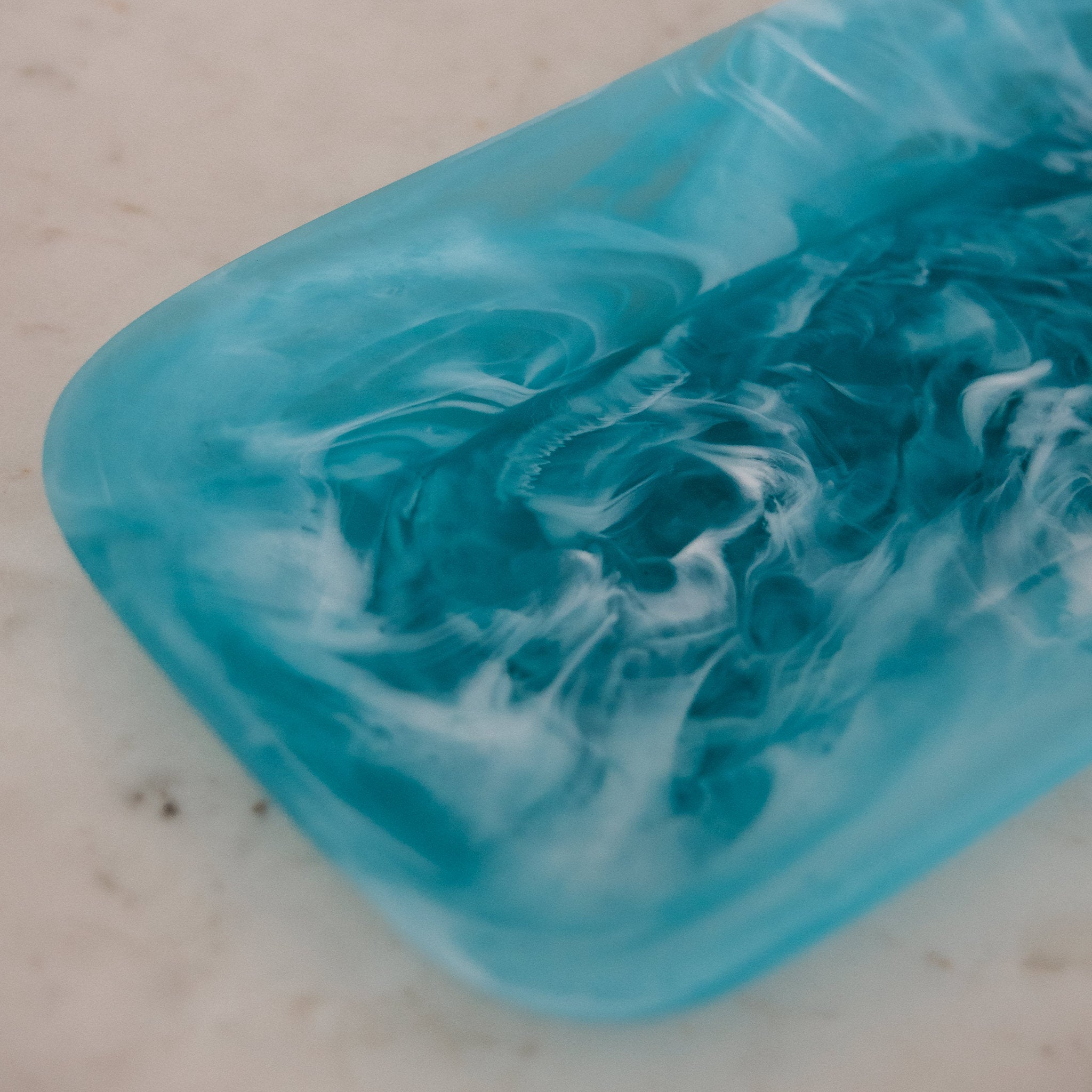 Resin Classical Plate Large Long - aqua
