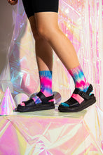 Load image into Gallery viewer, Glow Blue/Fluro Pink Tie-Dye Reflective Hemp Socks