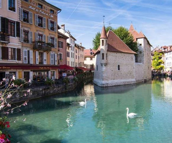 PRIVATE EXCURSION TO ANNECY 5H