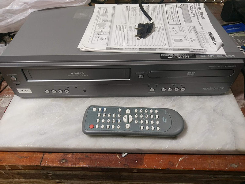 Magnavox DV200MW8 DVD/CD Player, VCR Video Cassette Recorder. 4-Head Hi-Fi Stereo VHS Player. Dolby Digital Sound, CD Digital Out, WORKS GREAT!