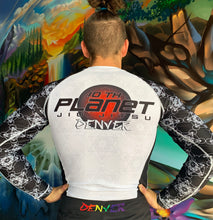 Load image into Gallery viewer, Men's 10PD White Belt Rash Guard (Long Sleeve)