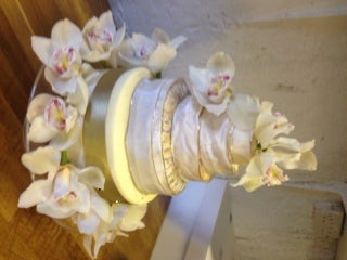 Cheese Wedding Cakes are available from the Cotswold Cheese Company. A local Cotswolds shop in the heart of the Cotswolds