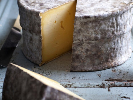 Gorwydd Caerphilly is available from the Cotswold Cheese Company. A local Cotswolds shop in the heart of the Cotswolds