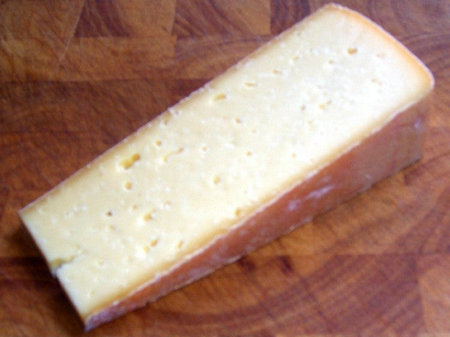 Ogleshield Cheese is available from the Cotswold Cheese Company. A local Cotswolds shop in the heart of the Cotswolds
