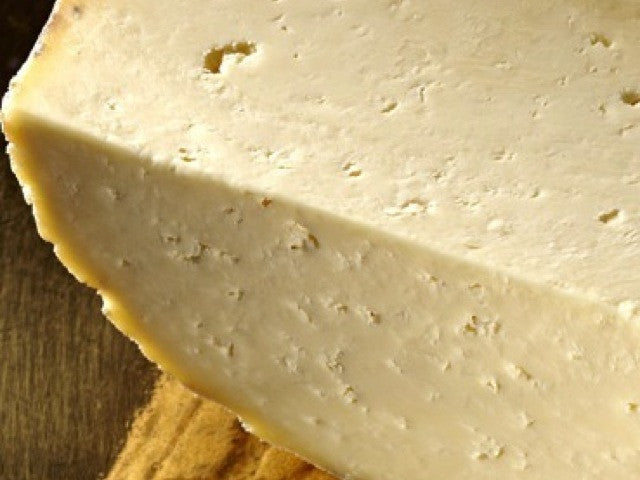 Wensleydale Richard III is available from the Cotswold Cheese Company. A local Cotswolds shop in the heart of the Cotswolds