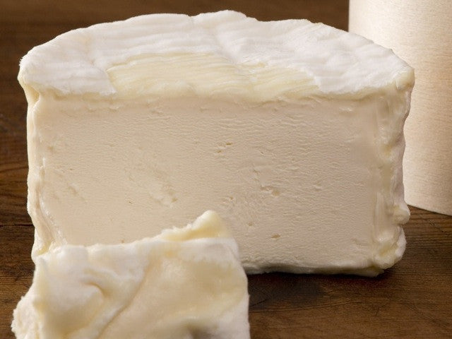 Délice De Bourgogne Cheese is available from the Cotswold Cheese Company. A local Cotswolds shop in the heart of the Cotswolds