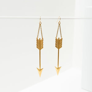Big arrow earring