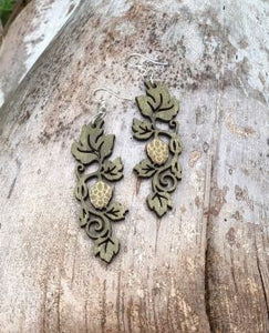 Hops on vine earring