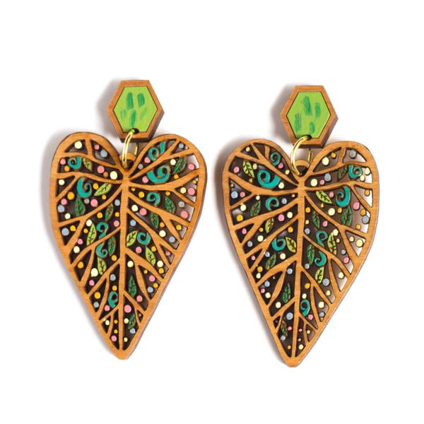 Leaf statement earring