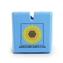 Load image into Gallery viewer, Thread Cutter By Sunflower