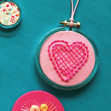 Load image into Gallery viewer, Clear Miniature Embroidery Hoop Pack
