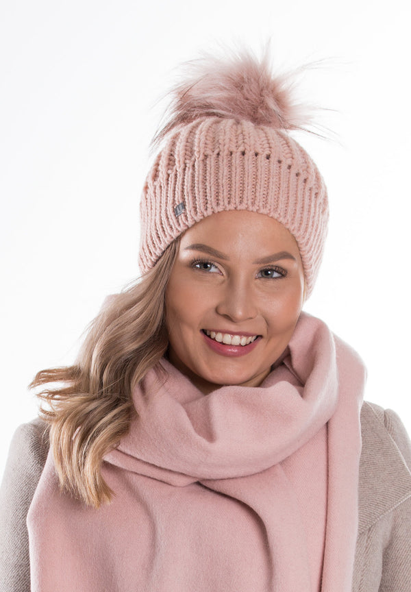 Gia knitten beanie with fake fur pom pom