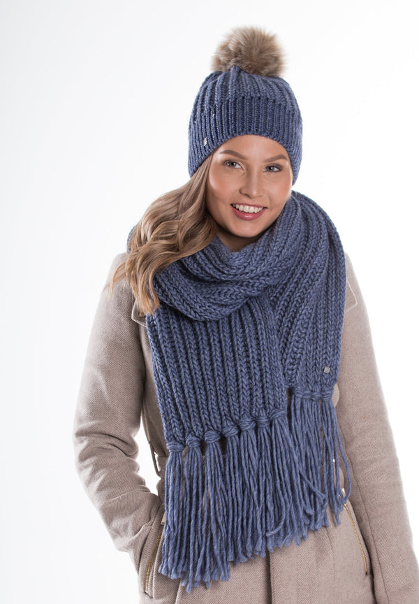 Geanna knitted scarf