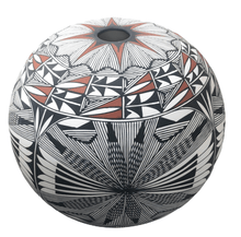 Load image into Gallery viewer, Acoma Fine Line Seed Pot