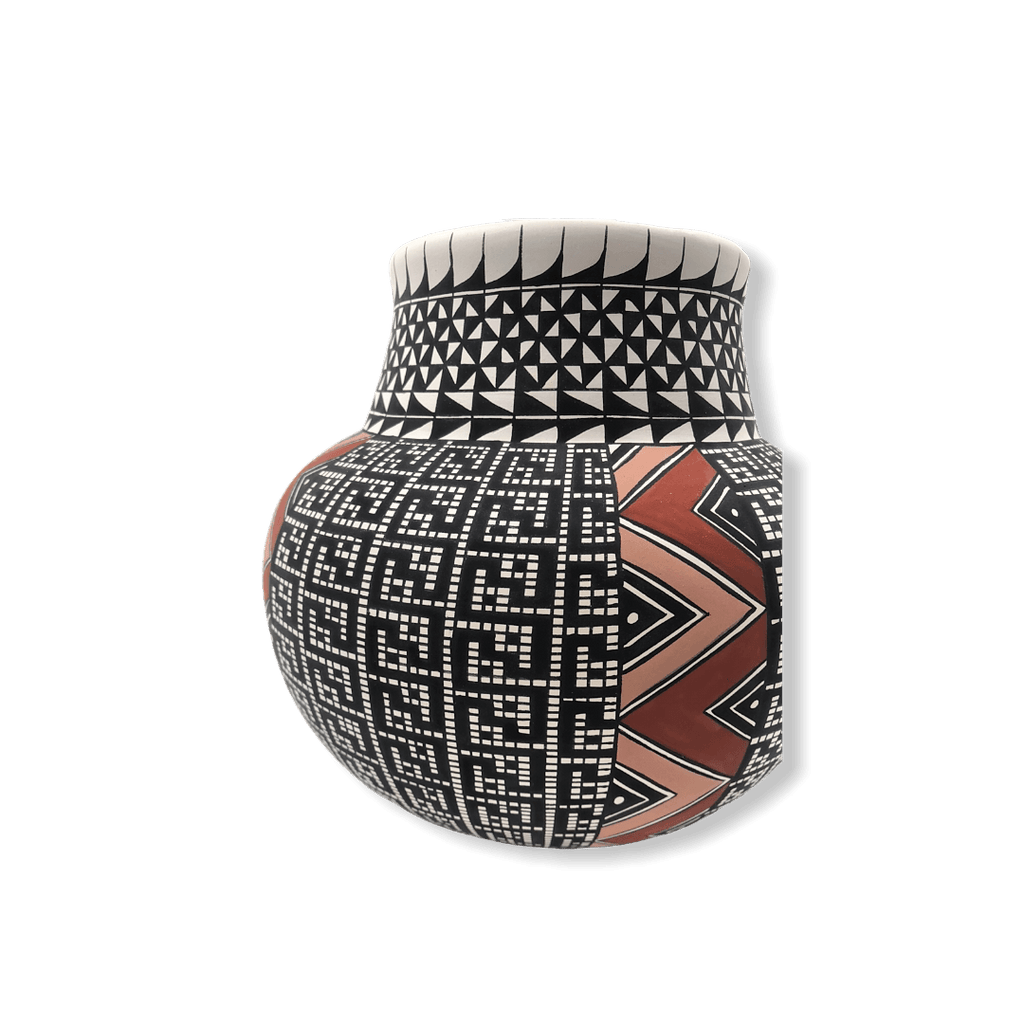 Acoma Lightining Bolt Pot By Melisa Antonio