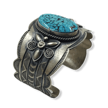 Load image into Gallery viewer, Kingman Turquoise Navajo Bracelet -Old Style