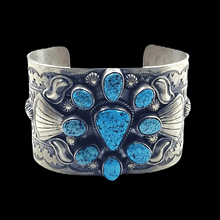 Load image into Gallery viewer, Navajo Kingman Turquoise Wide Bracelet