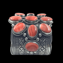 Load image into Gallery viewer, Wide Navajo Spiney Oyster Bracelet -Red Spiney