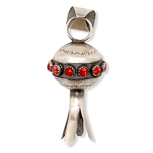 Native American Necklaces & Pendants - Navajo Blossom Pendant In Red Spiny Oyster