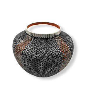 Acoma Eye-Dazzler Pot by Melissa Antonio