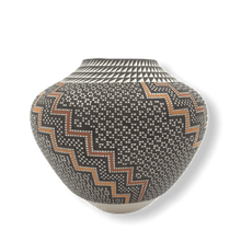 Load image into Gallery viewer, Acoma Wave Pattern Pot by Frederica Antonio