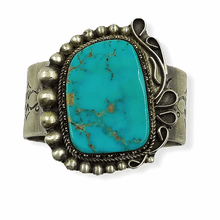 Load image into Gallery viewer, Old Pawn Kingman Turquoise Bracelet Nez