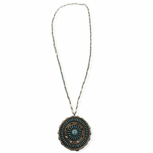 Load image into Gallery viewer, Pawn Zuni Needle Point Necklace