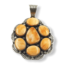 Load image into Gallery viewer, Spiny Oyster Navajo Pendant W/ Stamping