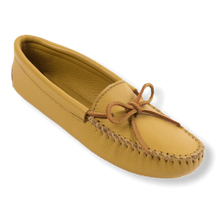 Load image into Gallery viewer, Minnetonka Women's Double Deerskin Softsole Moccasins 216
